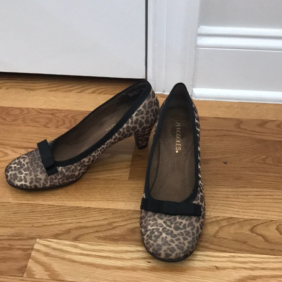AEROSOLES Shoes - Worn once cheetah print Aerosoles